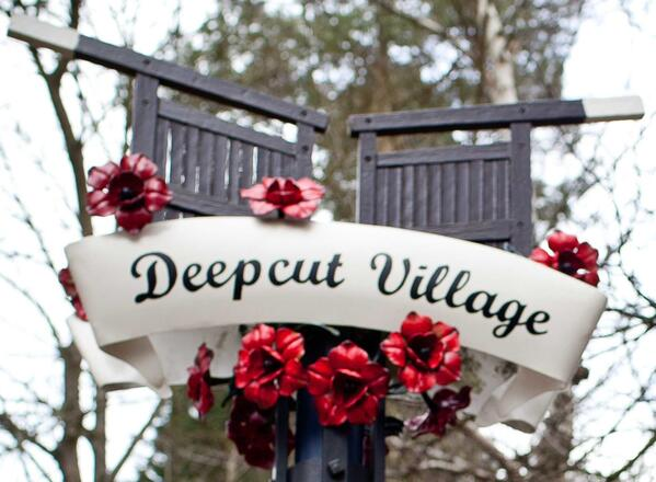 DEepcutVillageSign1