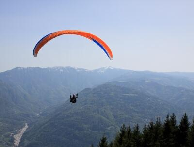 Mountain paragliding