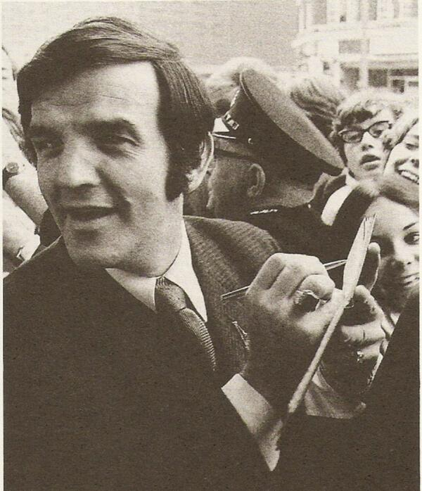 Alan Freeman signs autographs