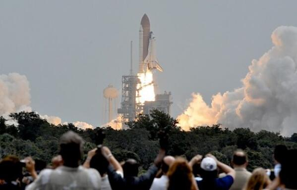 atlantis launch-488x313