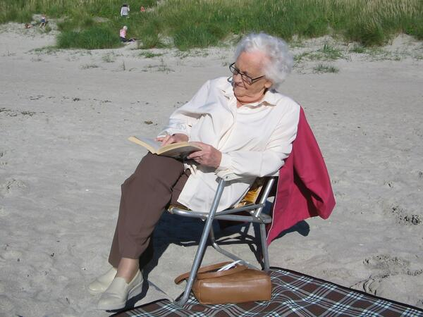 Granny reading Carrickfinn 2008