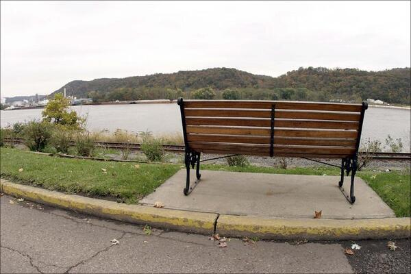ohio-river-park-bench