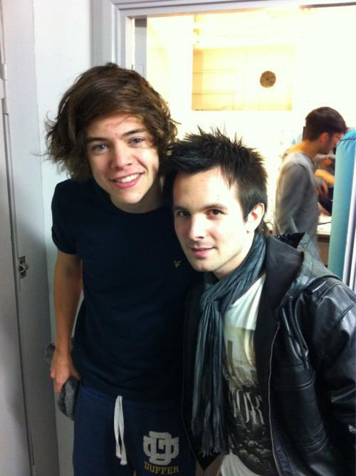 Harry-and-Matt-Lonsdale-x-one-direction-27766050-500-669