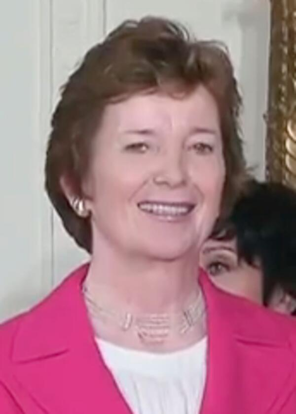 Mary Robinson-Obama31.04secs