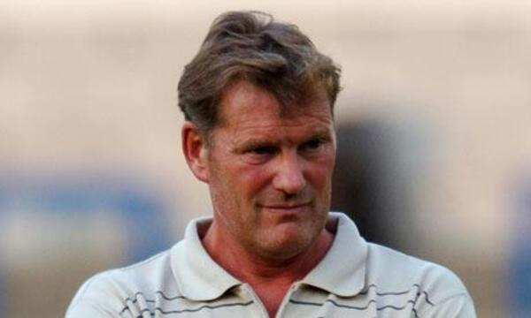 Glenn-Hoddle-001