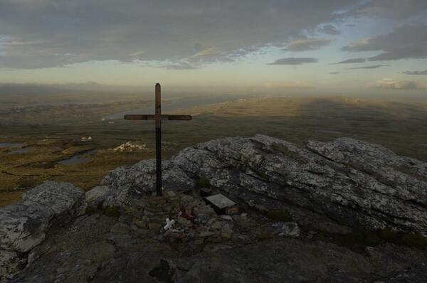 VETERANS tumbledown cross