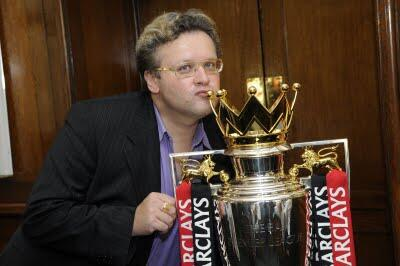 Jonny Gould with the Premier League trophy Aug 2009