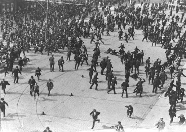 Bloody-Sunday-19132