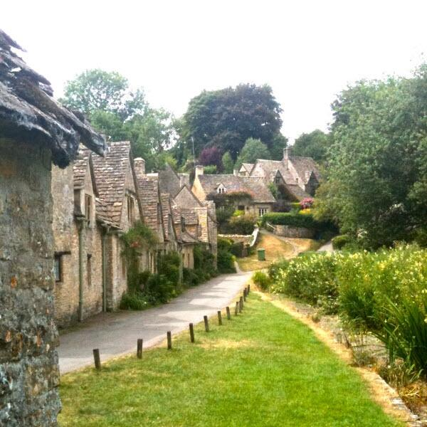 tip-89-bibury-village-600
