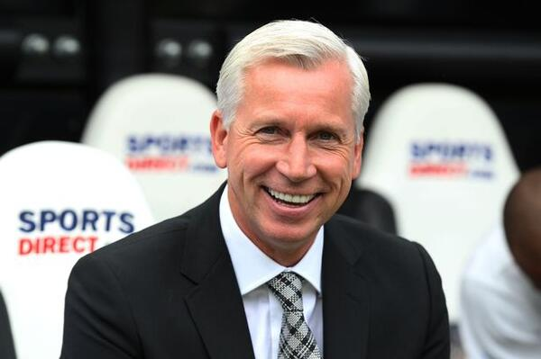 Alan-Pardew-smile-5823072