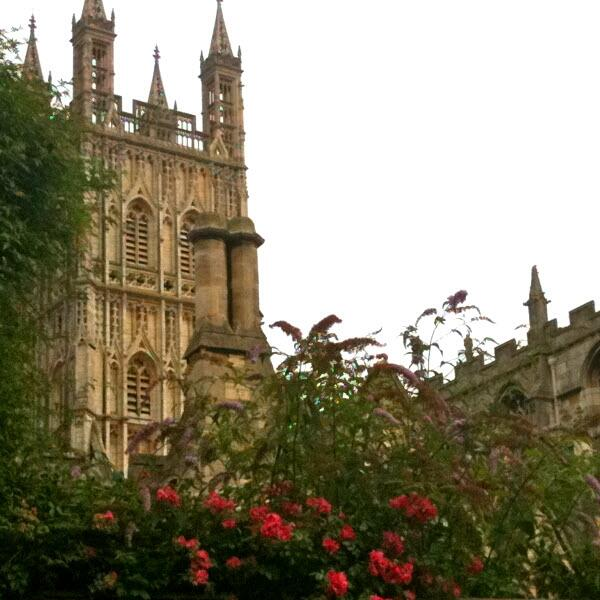 tip-16-gloucester-cathedral-600