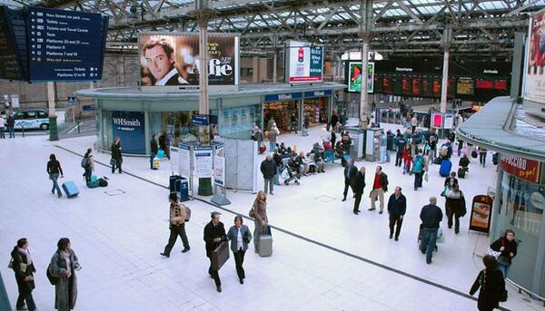 edinburgh-waverley-train-station