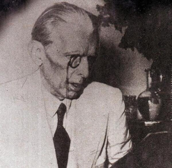 Quaid-e-Azam recording his speech from All India Radio Delhi