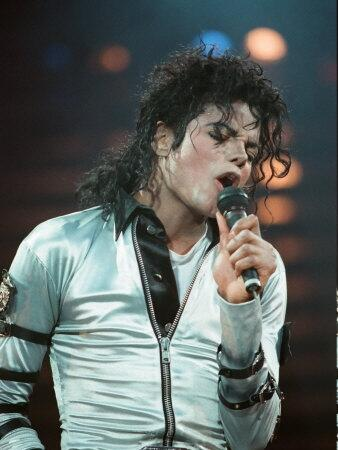michael-jackson-in-concert-at-wembley-july-15-1988