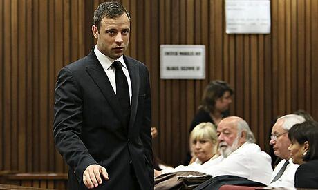 Oscar-Pistorius-left-pass-009