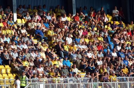 TORQUAY CROWD IN NEW GRANDSTAND