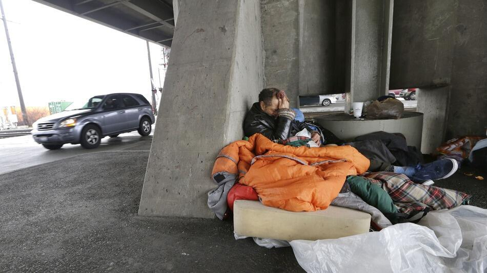 homeless shelter essay Who are the homeless why do people choose homelessness over shelters or government subsidized housing if this essay is to be argumentative.