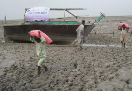 Pakistan s cities wake up to climate threats