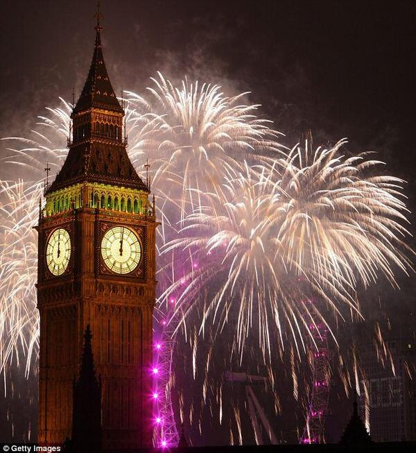 Big-Ben-Fireworks-Display-New-Years-Eve-2012