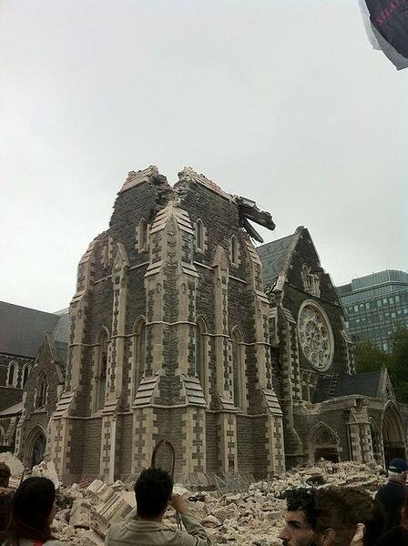 Chch-Cathedral-2011-Quake